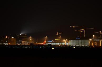 Noční letiště