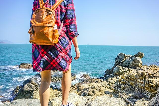 s batohem u moře